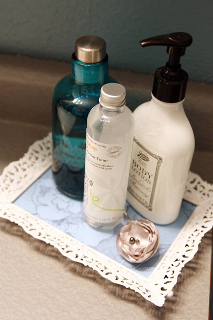 Upcycled Picture Frame Bathroom Tray
