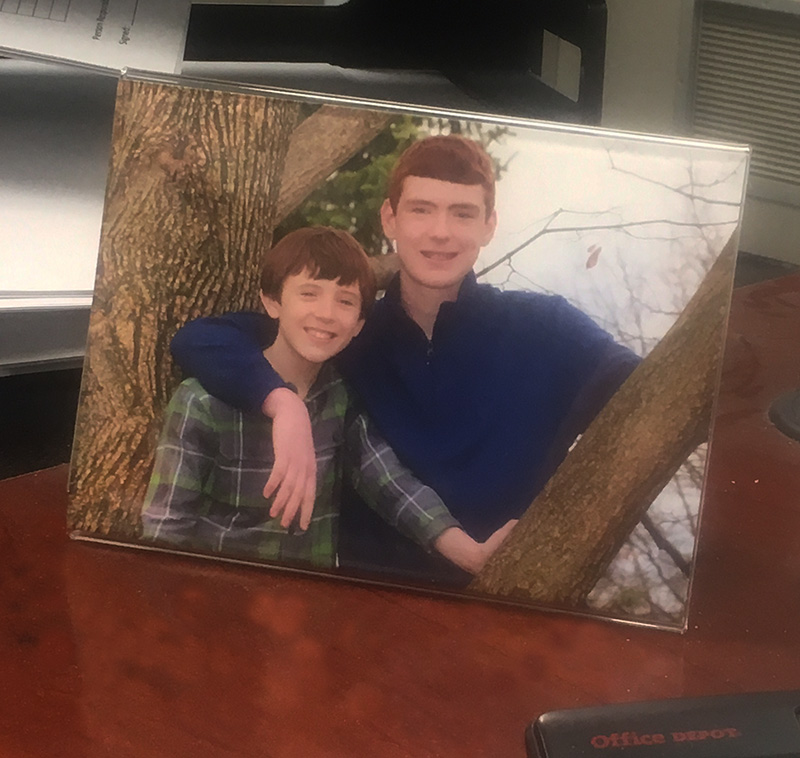 Quick And Easy With Bent Acrylic Picture Frames